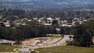 Victoria's acting Chief Health Officer has ordered the City of Latrobe into a seven-day lockdown from 11.59pm tonight after active COVID cases in the area climbed to 18.