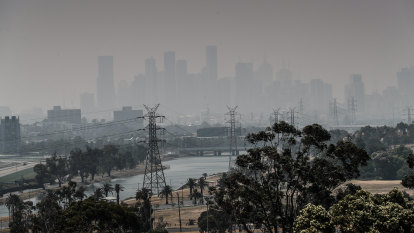 Victoria weather LIVE: Emergency warnings as fires break out across the state