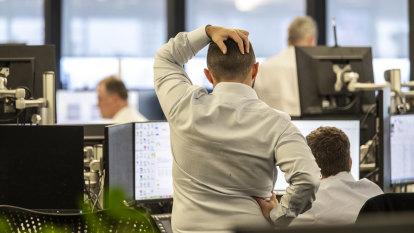 Top hedge fund manager banned over 'market manipulation'