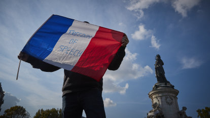 French police raids target beheading links in crackdown on extremists