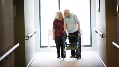 'It's never too late': How Sam and Gloria found new love in aged care