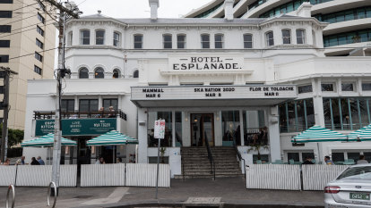 Sale of Melbourne hotel empire collapses