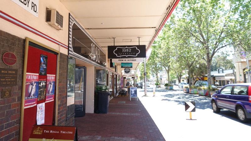 Fully occupied: Coastal hub bucks trend of Perth retail strips - The Age