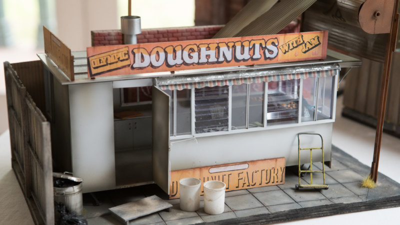 The artist making tiny replicas of Melbourne's grungy landmarks before they disappear