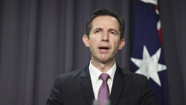 Simon Birmingham said the government will organise a further 20 repatriation flights.