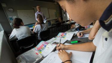 Reddam House school has dumped digital textbooks, deciding to use the hard-copy version instead