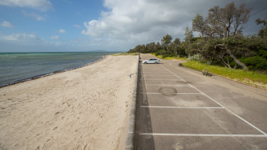 Rosebud foreshore camp ground, normally full at this time of year.