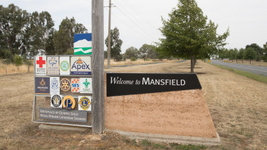 Mansfield struggling business owners are asking tourists and hikers to return to the city.