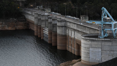 The NSW government's plan to raise the height of Warragamba Dam by 14 metres has generated concern at a World Heritage Committee meeting in Azerbaijan.