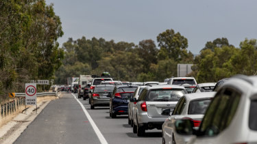 Long traffic queues formed at Albury after Victoria closed the border.