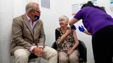 Jane Malysiak recieved Australia's first COVID-19 vaccination.