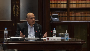 Former icare CEO Vivek Bhatia giving evidence at the inquiry into the workers compensation scheme on Friday.