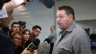 Steve Hansen arriving in New Zealand after the World Cup in 2019.