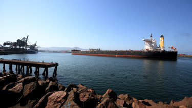 BHP has awarded a tender for five new LNG-powered ships.