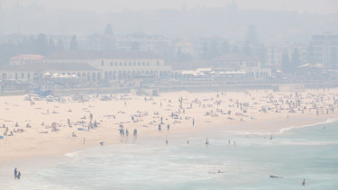 Smoke haze blankets Bondi Beach on Thursday.