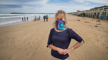 Greater Geelong mayor Stephanie Asher says holidaymakers should consider visiting the beach at low tide to allow crowds to spread out.