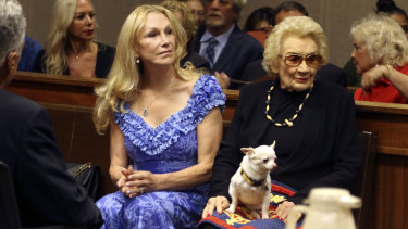 Abigail Kawananakoa, right, and her wife Veronica Gail Worth in court.