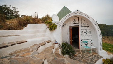 Hobbiton moves to Mykonos is the look of Earthship Ironback.