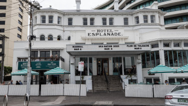 The deal to sell leasehold rights to The Espy and seven other pubs has fallen over.