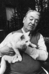 Kingsley Amis was happy to pick up his cat, but not his son Martin's novels.