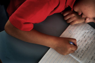 Children who hand-write fluently in their first year of school are likely to be better readers in year 1.