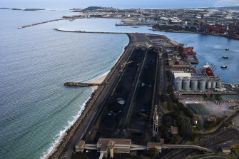 GSC Chief Commissioner Geoff Roberts says Port Kembla should be the state's second container terminal.