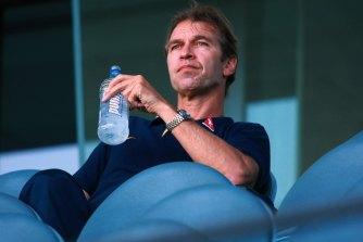 Former Socceroos coach Pim Verbeek has died at the age of 63.