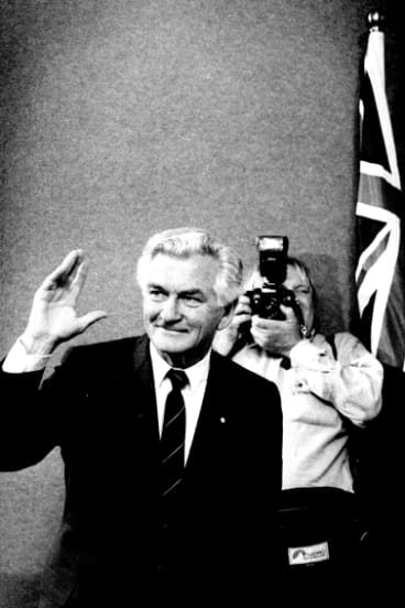 Bob Hawke talks to the press after his defeat to Keating, December 1991.