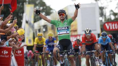 Tour de France 2018  Sagan takes stage 5 win as Van Avermaet retains ... 3b9b0ca44