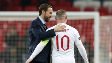 Gareth Southgate, who has dealt with immense pressure, was one of the coaches sought out by Robinson.