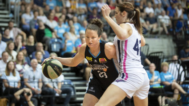 Capitals captain Kelsey Griffin produced an epic second quarter in their emphatic win.