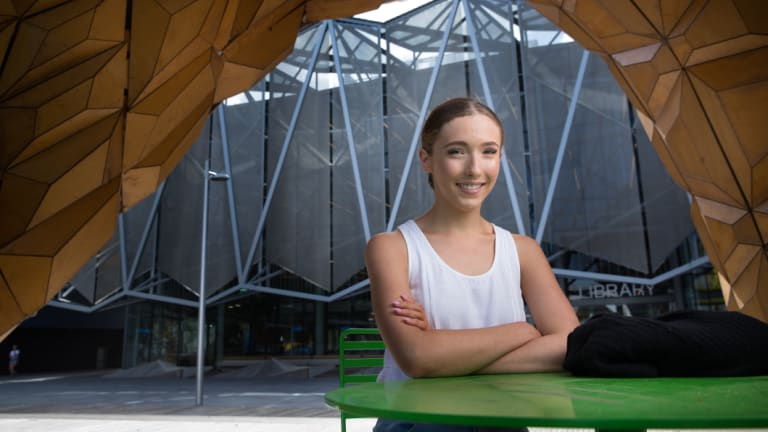 Isabella Oates prioritised the social aspect of her first year at university - and doesn't regret a thing.