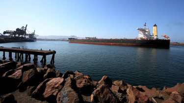 BHP has awarded Shell a contract to fuel the world's first fleet of LNG-powered bulk carriers.