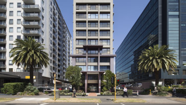 Strata offices at 608 St Kilda Road are selling well.