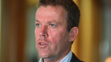 Education Minister Dan Tehan wants private schools to reopen to students within weeks.