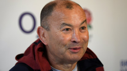 England coach Eddie Jones accepts 25pc pay cut