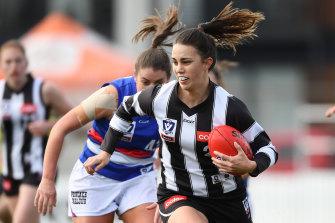 Ijury sidelined Collingwood's Chloe Molloy last season.