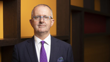 Electoral Commissioner Tom Rogers says he doesn't get an early tip off on the election date.