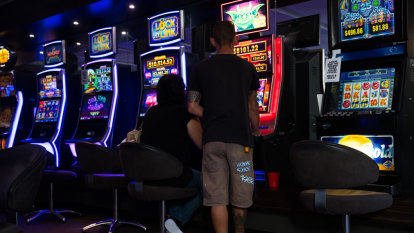 Pressure grows on Woolies to ditch pokies as key shareholder joins push