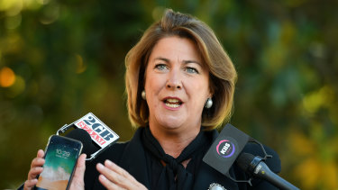 Water Minister Melinda Pavey is at odds with Natural Resources Commissioner John Keniry.