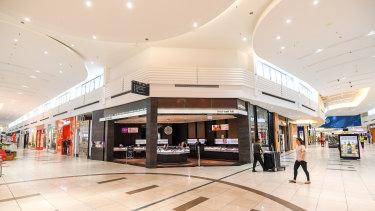 The coronavirus crisis is emptying shopping centres.