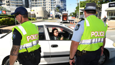 Queensland police have been turning away hundreds of people seeking to cross into Queensland from NSW on the Gold Coast.