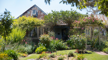 The flower-filled front garden of Ziebell's Farmhouse