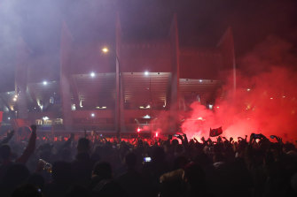 PSG fans were allowed to gather outside the stadium despite the government ban on gatherings of more than 1000 people.
