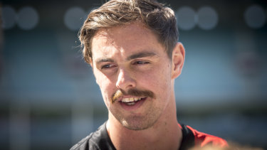 Final hours: Will Joe Daniher get to the harbour city?