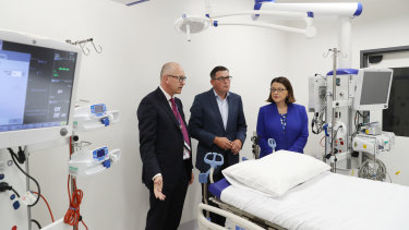 Premier Daniel Andrews and Health Minister Jenny Mikakos inspect and ICU pod which might be used for coronavirus victims.