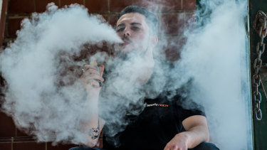 Vaping enthusiasts protested against Trump's planned move to ban flavoured e-cigarettes
