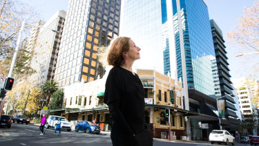 North Sydney mayor Jilly Gibson says a new road tunnel will create rat runs on local roads, worsen air quality and carve up the North Sydney CBD.
