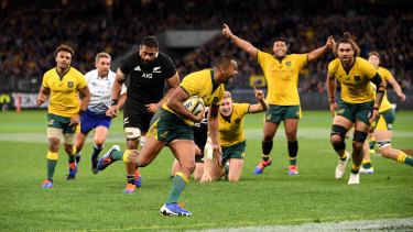 Kurtley Beale's try capped off an extraordinary performance by the Wallabies in Perth.