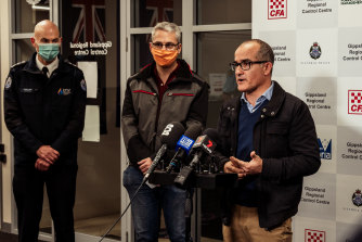 (L-R) Emergency Management Commissioner Andrew Crisp, Acting Minister for Emergency Services  Danny Pearson, and acting Premier James Merlino.